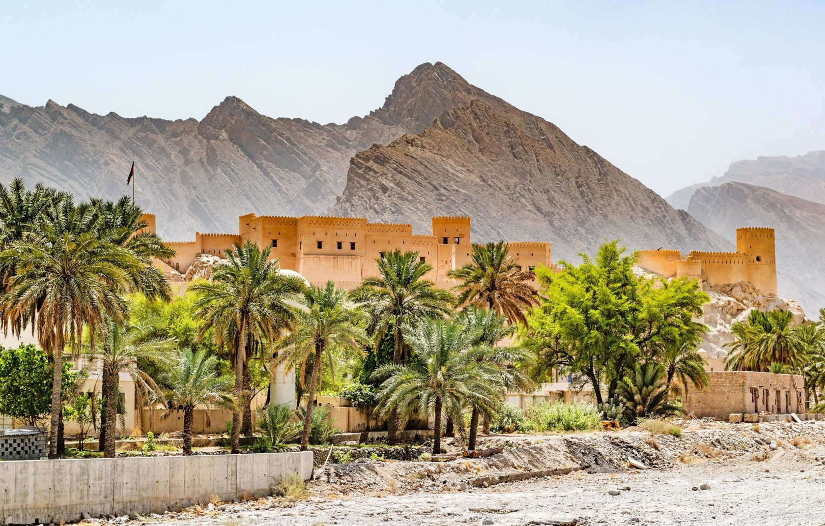Little Secrets Oman 01 Header
