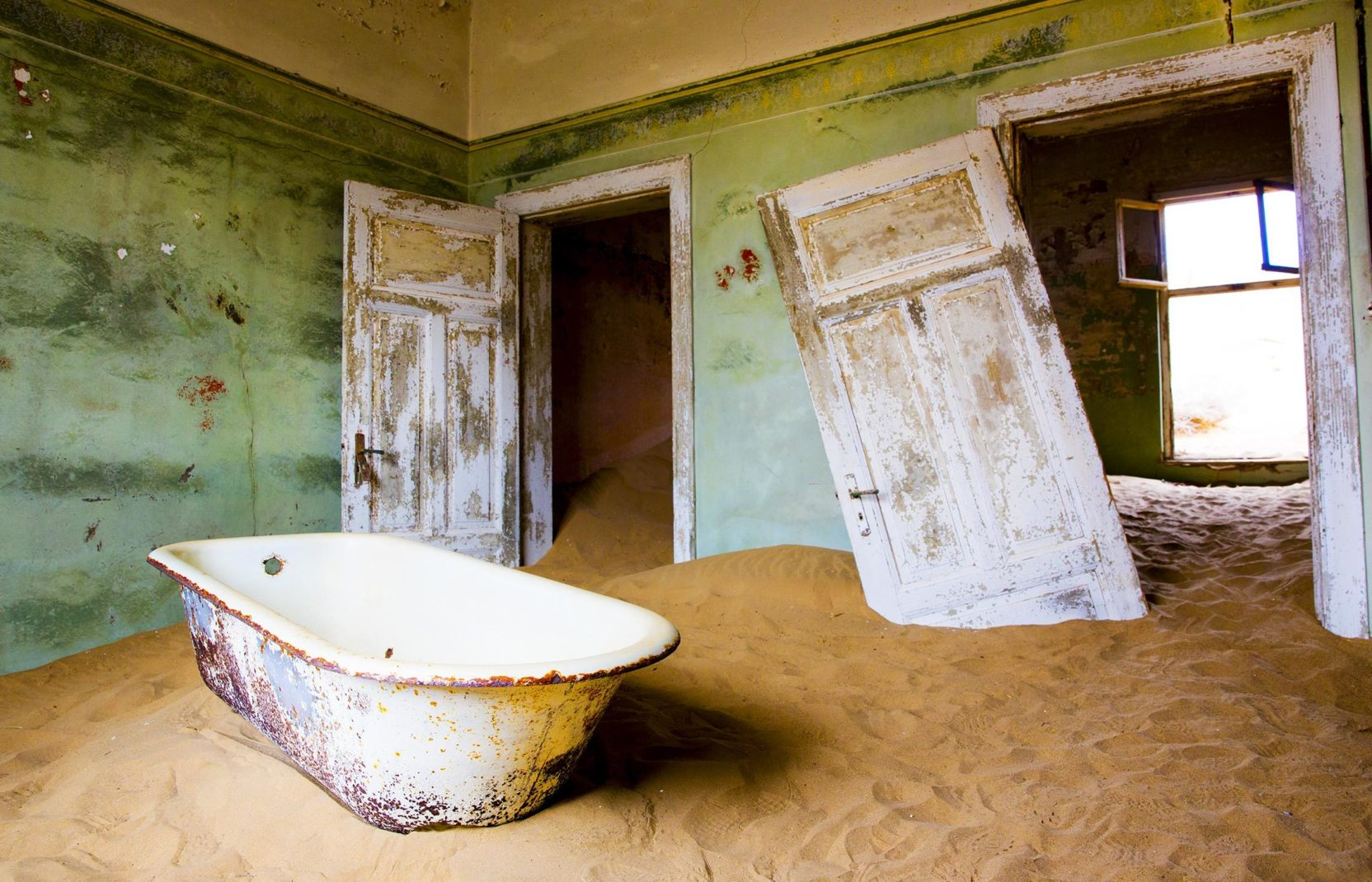 Roadtrip Namibia 06 Kolmanskop Slider 1